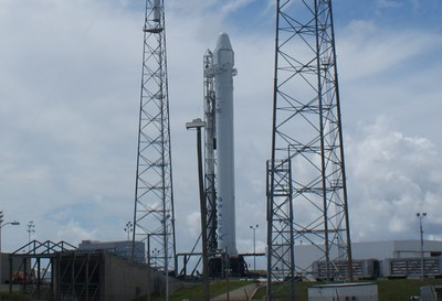 Falcon 9 before CRS-1 launch
