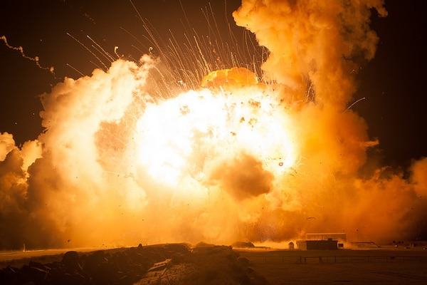 The Space Review: If the Saturn V went boom: The effects ...
