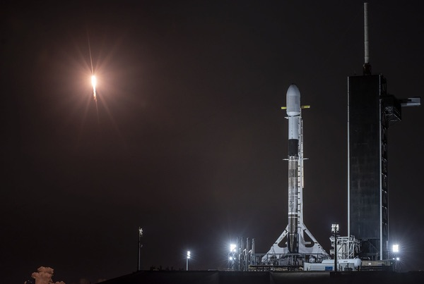 Falcon 9 launch  - 4124a - The Space Review: Spaceport traffic management